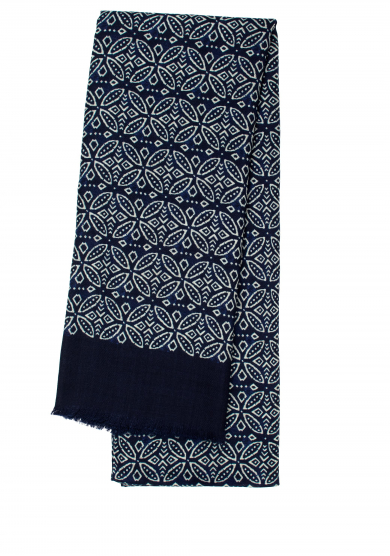 NAVY PATTERN WOOL SCARF